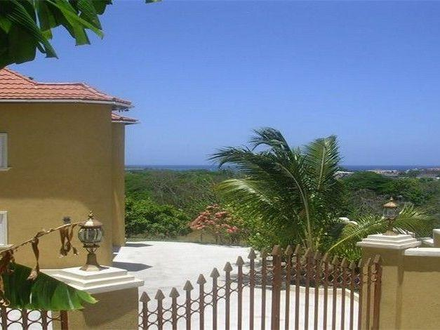 PARADISE PWH -  43743 - FANTASTIC VALUE 3 BED APARTMENT - MONTEGO BAY - Image 1 - Montego Bay - rentals