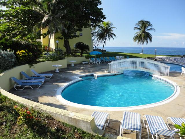PARADISE PSP - 43878 - 2 BEDROOM APARTMENT GREAT VALUE - OCHO RIOS - Image 1 - Ocho Rios - rentals