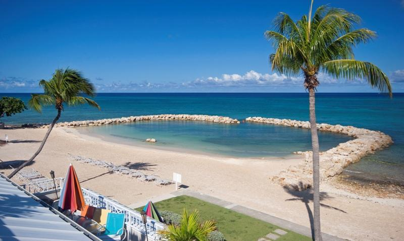 Beach with Protected Swimming Cove - Sunset Cove 3 BR Oceanfront on Seven Mile Beach! - Seven Mile Beach - rentals