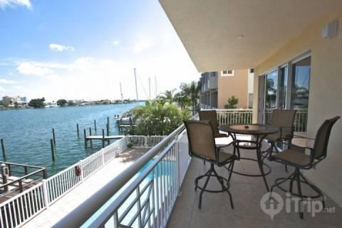204 Bay Harbor - Image 1 - Clearwater Beach - rentals