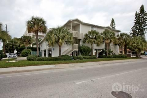 Indian Rocks Beach, Florida condo/vacation rental -Two bedroom, two bathroom - 103 Beachside Villas - Indian Rocks Beach - rentals