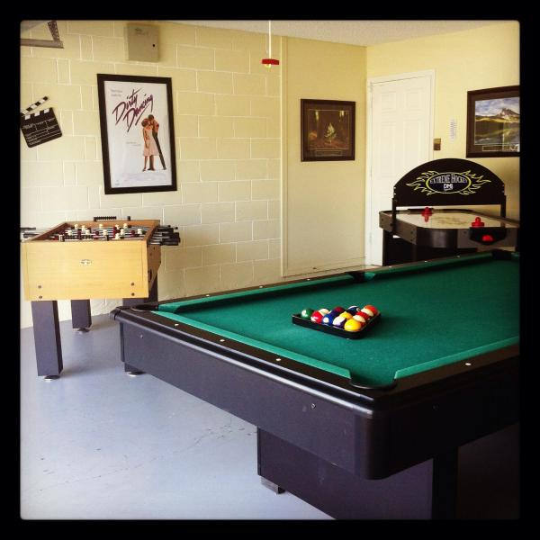 5BR Luxury Pool Home-SouthFacing,GameRoom,WiFi,etc - Image 1 - Kissimmee - rentals