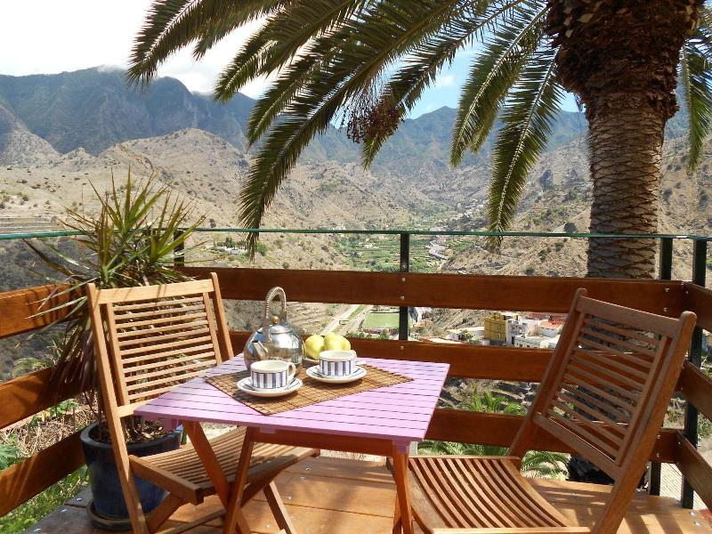 Terrace with views across the valley and the sea Hermigua - House with Sea views - Isla La Gomera-wifi - Hermigua - rentals
