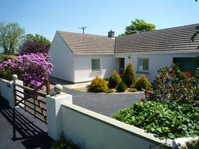 Pet Friendly Holiday Home - Swn y Gwynt, Nr Newgale - Image 1 - Newgale - rentals