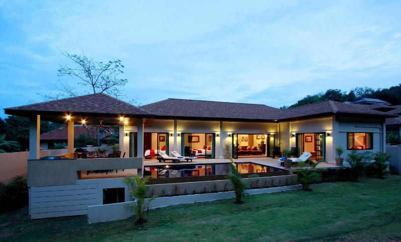 Beautiful Crystal Villa - CRYSTAL: 4 Bedroom, Private Pool Villa near Beach - Rawai - rentals