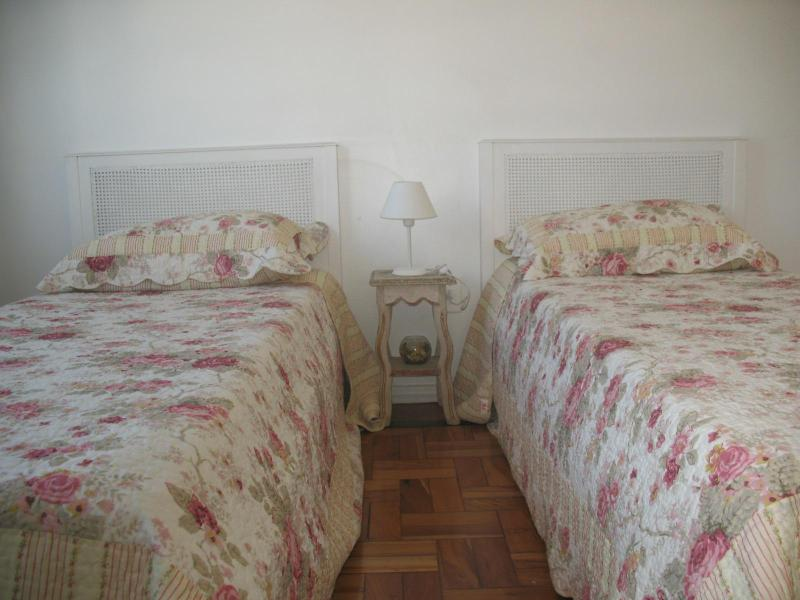 2 single beds that can be put together - COZY STUDIO IN IPANEMA - Rio de Janeiro - rentals