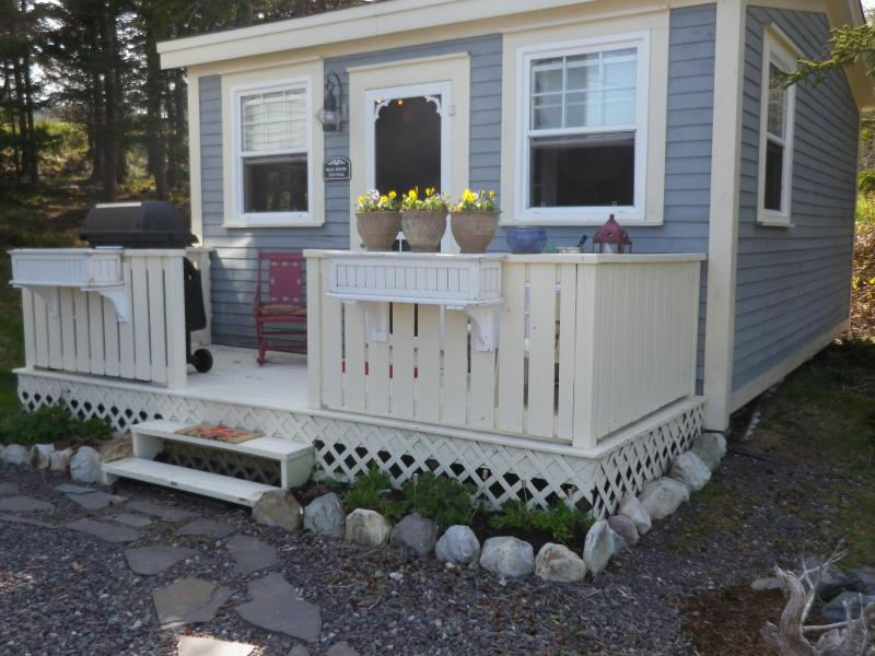 COTTAGE AND DECK - Blue House Cottage - Tors Cove - rentals
