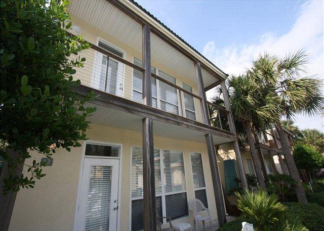 Destiny Beach Villa 12B Conveniently Located Across from Beach! - Image 1 - Destin - rentals