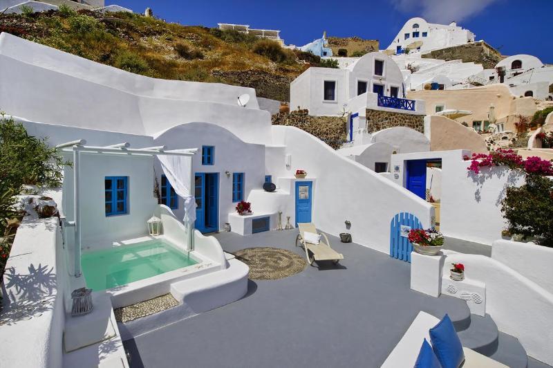 Dream blue villa, beautiful villa in Oia Santorini - Image 1 - Oia - rentals