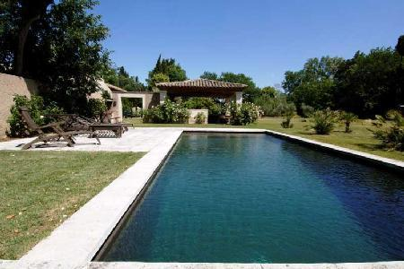 Traditional Provencal House La Verdine with Large Pool, Outdoor Kitchen, Pizza Oven & BBQ - Image 1 - Saint-Remy-de-Provence - rentals