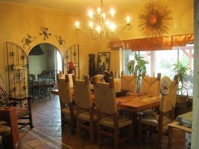 Dining and Entrance to the Kitchen - Dynamite Four Bedroom House in North Scottsdale - Scottsdale - rentals