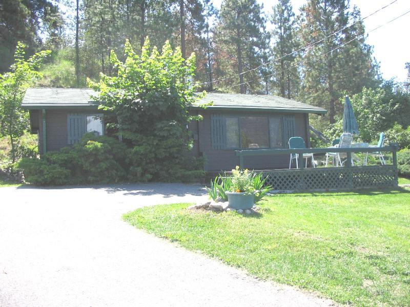 cottage - Okanagan Lake Log Cottage - Lake Country - rentals