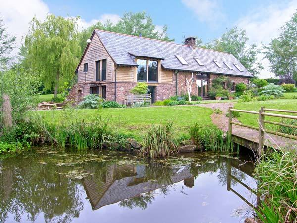 THE GRANARY, quality accommodation, picture windows, woodburner, private patios, rural location in Coed Morgan, Ref 15022 - Image 1 - Abergavenny - rentals