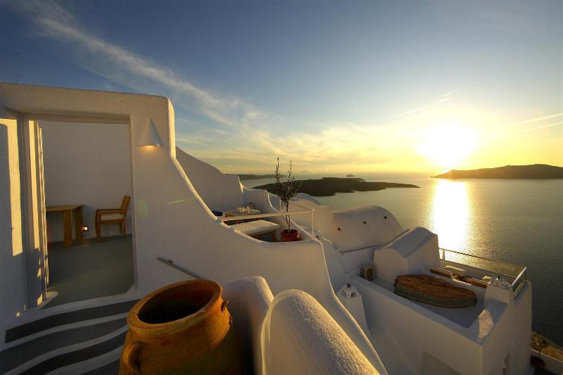 Volcano & Sunset View - 6 Bedroom house with 2 pools and stunning views - Santorini - rentals