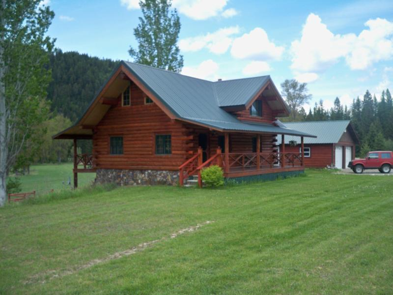 Log House on Lake Creek Road - Montana Lake Creek Vacation Rental - Troy - rentals