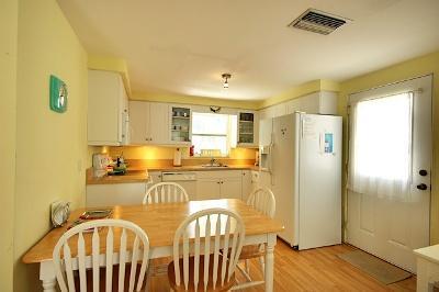 Eat In Updated Kitchen - Turtle Cove West - Holmes Beach - rentals