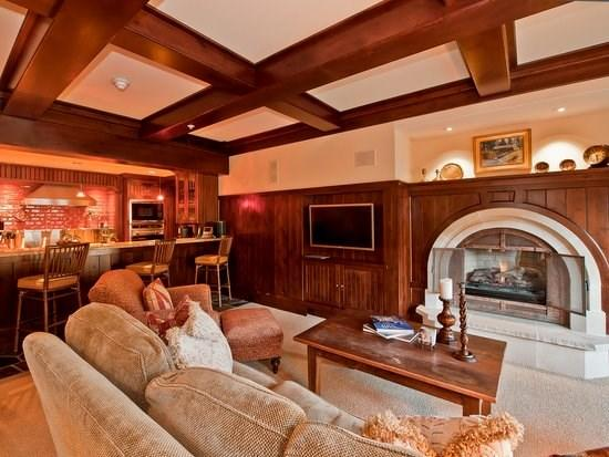 Great room with fireplace, flat screen TV, balcony with mountain views - A luxury vacation residence at One Willow Bridge Road in the center of Vail Village with full concierge services. - Vail - rentals