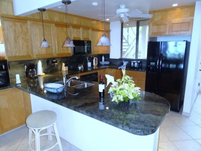 Beatufly fully stocked kitchen - Ocean Front Luxury,  Surf & Racquet Club 4-102 - Kailua-Kona - rentals