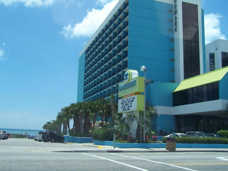 LANDMARK BUILDING - Excellent Deal for Landmark Resort 1 Bedroom Condo with Balcony and Pool - Myrtle Beach - rentals