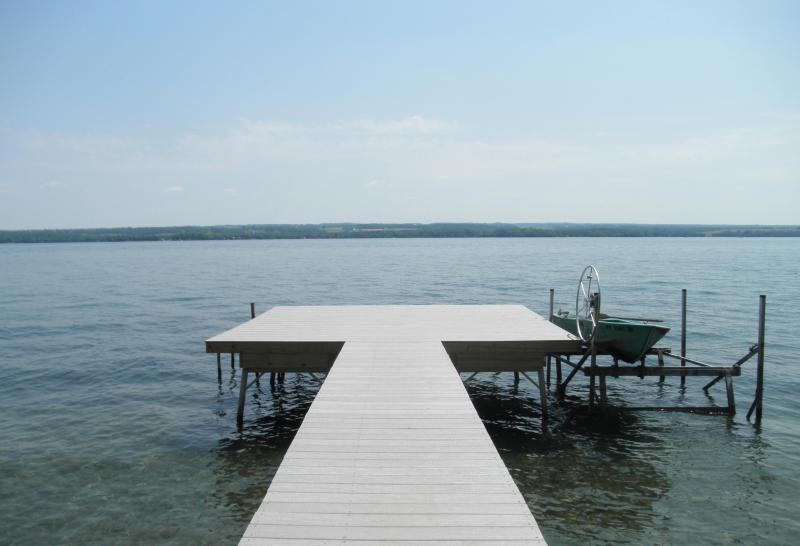 The Dock 'deck' 16' x 16' - The Breezes...On Sunrise Cove - Finger Lakes - rentals