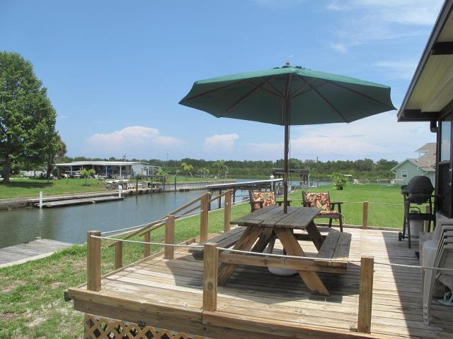 view from the back deck - Mandy's Waterfront Oak Hill Paradise - New Smyrna Beach - rentals