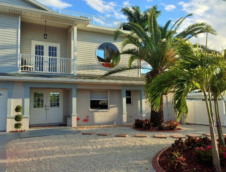244 Flamingo - 244 Flamingo-Canal home with lanai, pool,spa & FUN - Fort Myers Beach - rentals