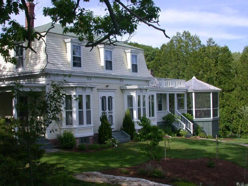 Anodyne House built 1879 - 5 bedroom house in Maine coast fishing village - South Bristol - rentals
