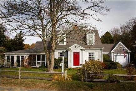 True Cape Cod home in the sought after Barley Neck and Nauset Beach area. - MICORL 77681 - Orleans - rentals