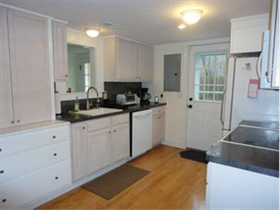 Gorgeous kitchen perfect for boiling the lobster! - DISBRE 107456 - Brewster - rentals