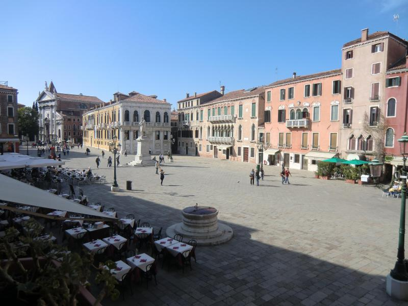 View of the square from the windows - Santo Stefano Contemporary Chic - Venice - rentals