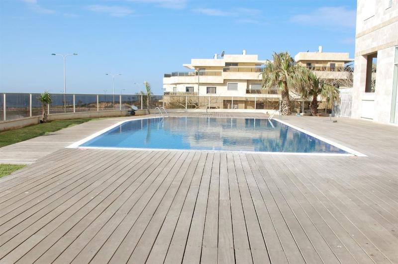 Royal Residence - 2 Bedroom Apartment with Pool, South Beach Netanya - PK01KP - Image 1 - Netanya - rentals