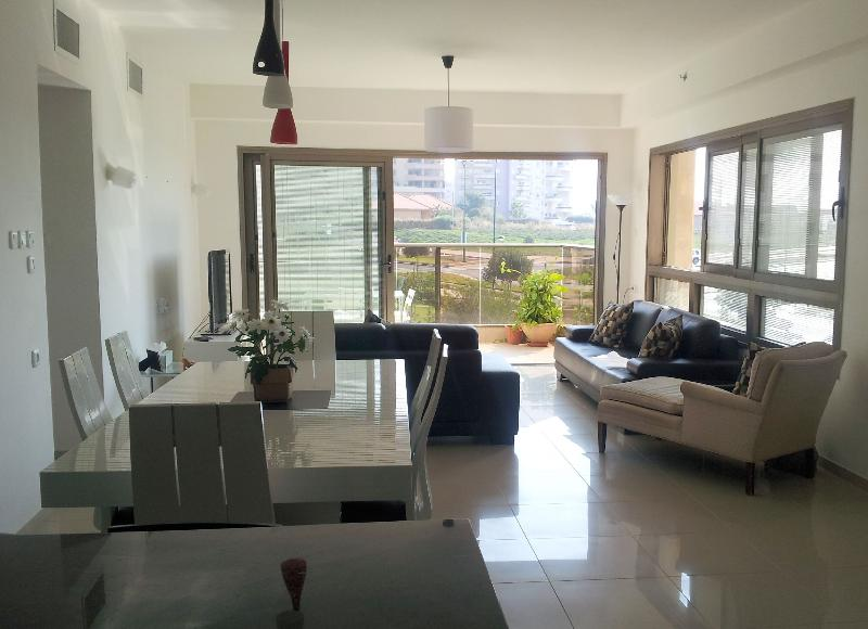 Kosher 3 bedroom Poleg Beach Apartment with Sea Views  - EM04K - Image 1 - Netanya - rentals