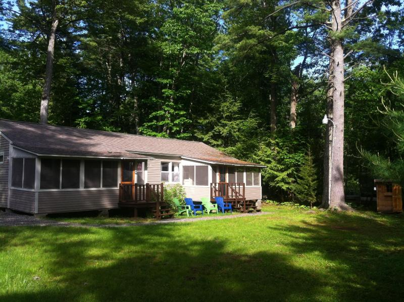 Front of cottage and yard - Cottage minutes from 7mile beach Ocean Park, Maine - Ocean Park - rentals