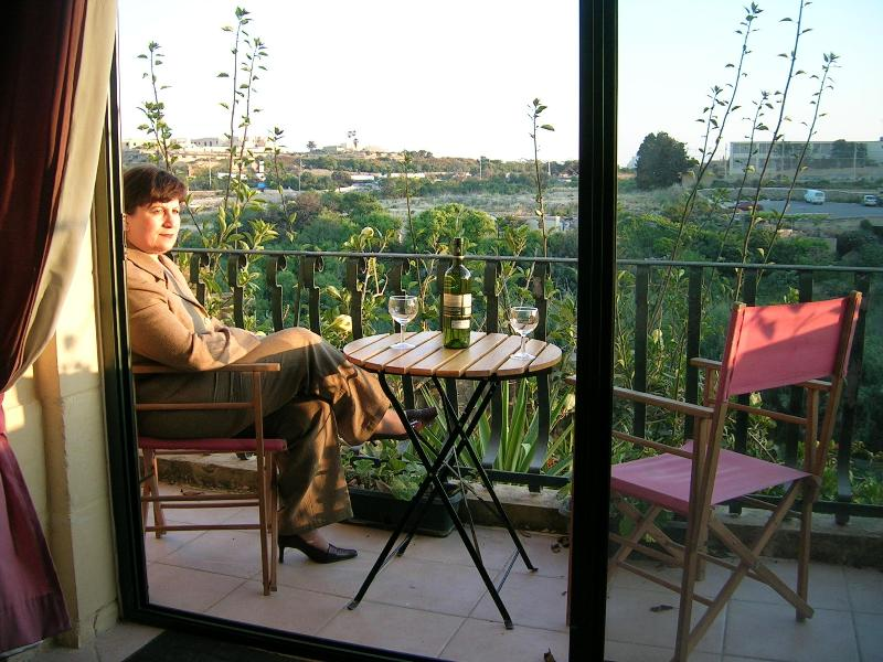 Sitting room balcony - House with splendid views of a fertile valley - Ghajnsielem - rentals