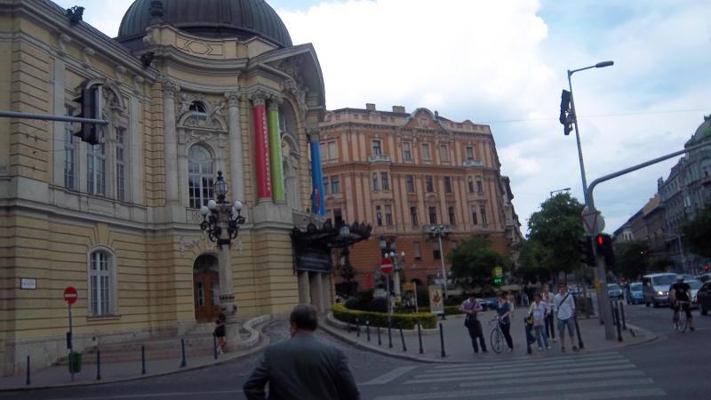Comedy theater on Szent Istvan korut - Budapestgetaway in a quiet but lively neighborhood - Budapest - rentals