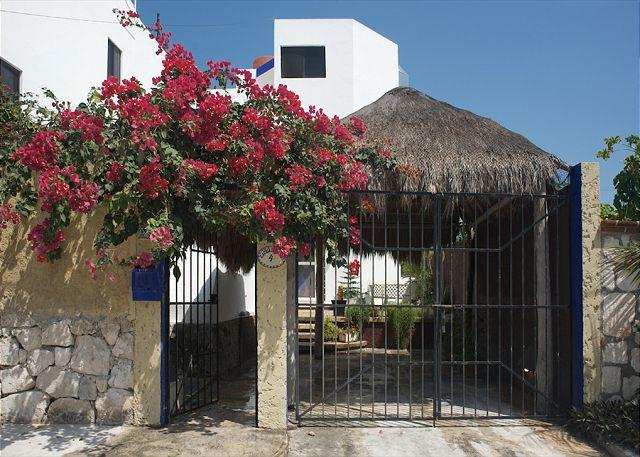 CR entrance - Beautiful, well appointed 3 story home w lots of space and ocean view.  Pool. - Puerto Morelos - rentals