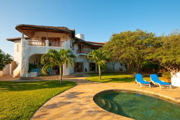 The House overlooks the pool and garden - Suni House - 4 Bedroom, 2nd Row Watamu Home - Watamu - rentals