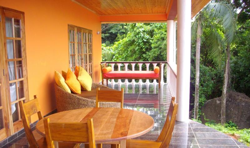 veranda - The Marble Villa - Au Cap - rentals