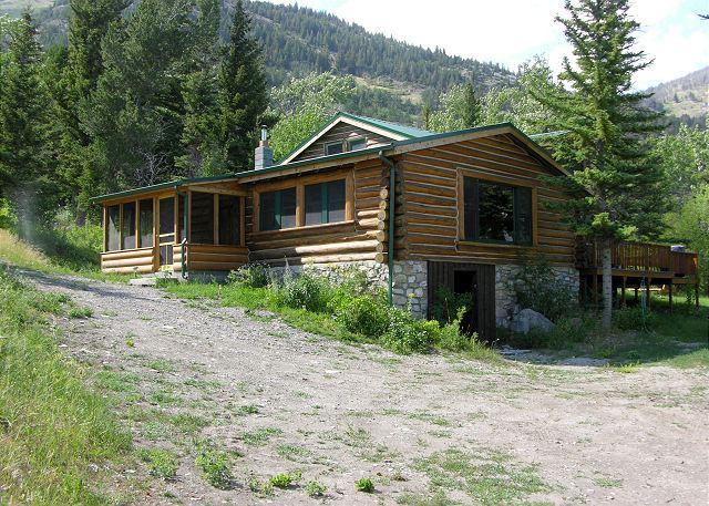 Mountainside Cabins - Honey's - Image 1 - McLeod - rentals