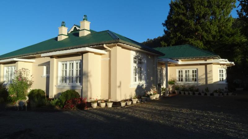 SENANI FRONT VIEW - SENANI  COLONIAL  HOLIDAY  BUNGALOW - Nuwara Eliya - rentals