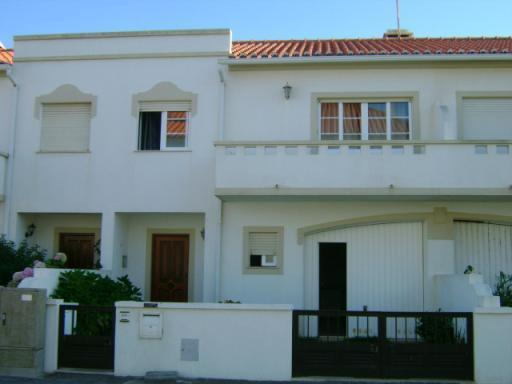 Baleal Holiday House - Image 1 - Peniche - rentals