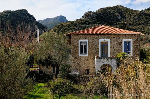 To Archontiko, our stone house. Within 5 minutes you walk into the foothills of Mt. Taygetos. - 3 bedroom stone house in Xirokambi, Sparta - Sparta - rentals