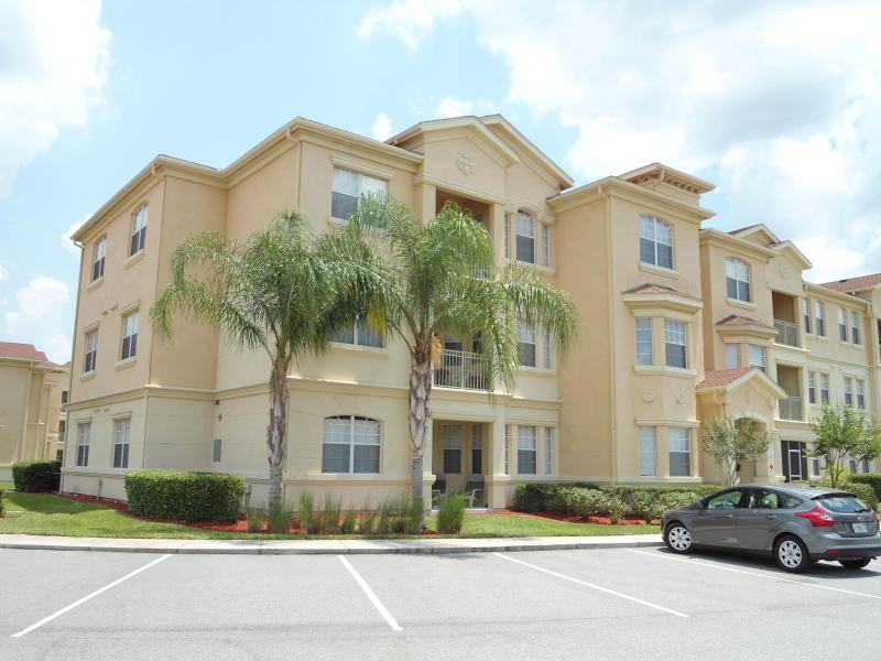 Ground floor home - no stairs needed! - Modern spacious 3 bed 2 bath condo near Disney - Davenport - rentals