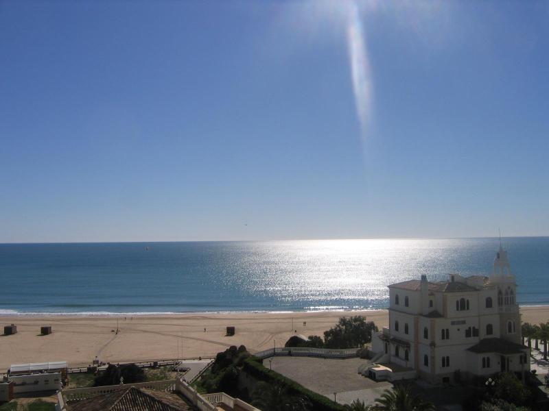View from balcony - Miramar 33 - 2 Bedroom Seaview 50m from Beach - Praia da Rocha - rentals