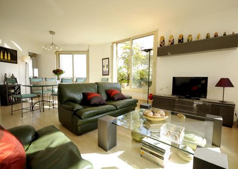 Large open plan living area - 3BR Rental with Terrace at Montparnasse in Paris - Paris - rentals