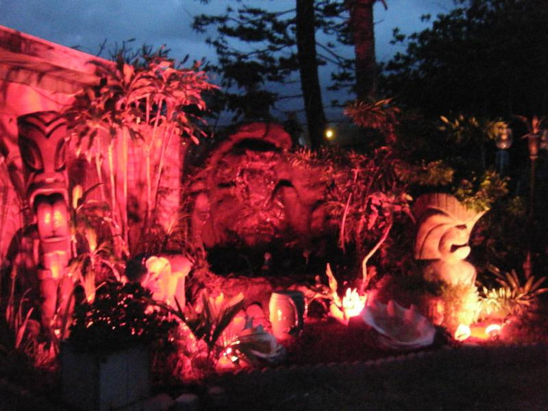 Entrance at night - ALA MAHINA     (PATH OF THE MOON)               PLEASE READ OUR REVIEWS - Laie - rentals