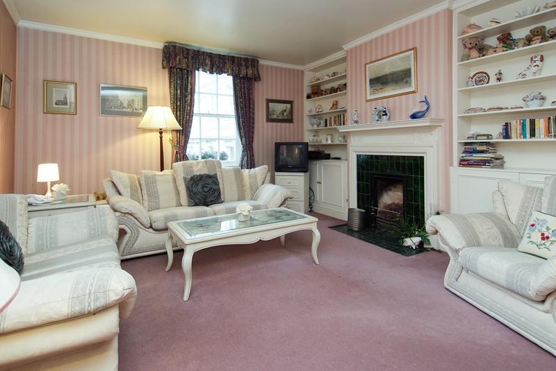 Covent Garden Bedford Street 2 bedroom/2 bath Flat - Image 1 - London - rentals