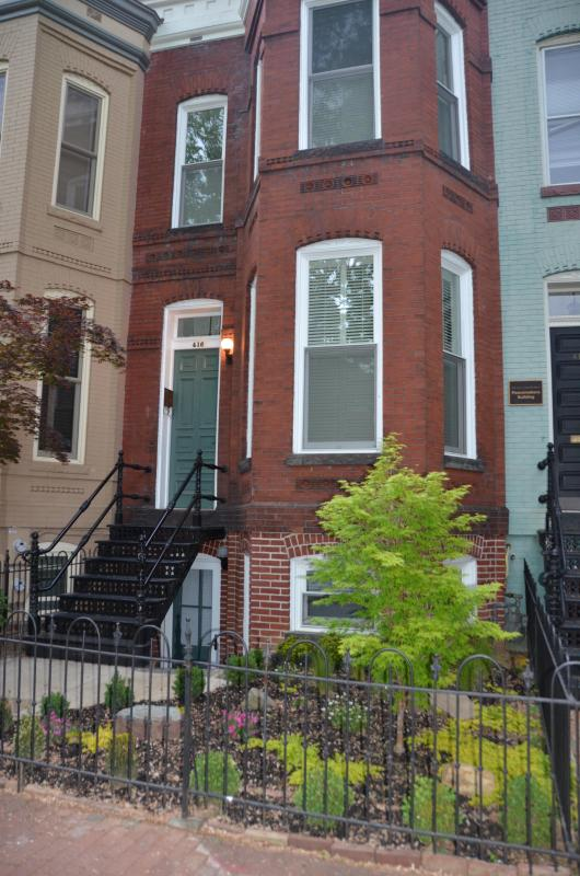 1890 Victorian on Capitol Hill, Garden Suite - FABULOUS 1890 VICTORIAN, 100 STEPS TO METRO! (G) - Washington DC - rentals