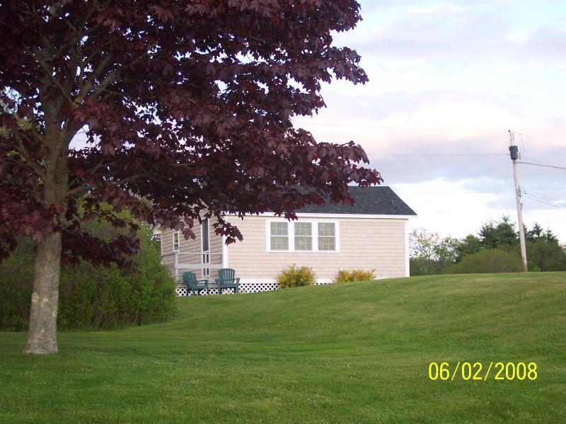 Maine Ocean Front 2 Bedroom Cottage - Image 1 - Tenants Harbor - rentals