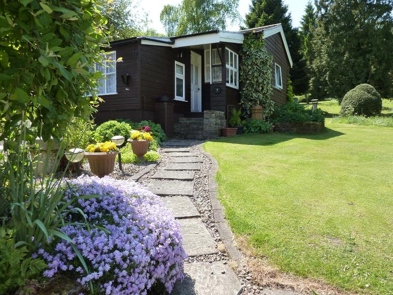 Approaching Damson Croft - 2 bedroom cottage in NY Moors National Park - Lastingham - rentals